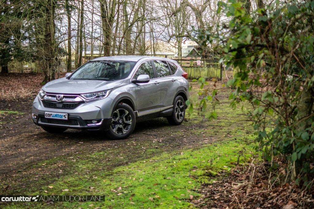 2019 Honda CR V Review Front Angle Scene carwitter 1024x681 - 2019 Honda CR-V Hybrid Review - 2019 Honda CR-V Hybrid Review