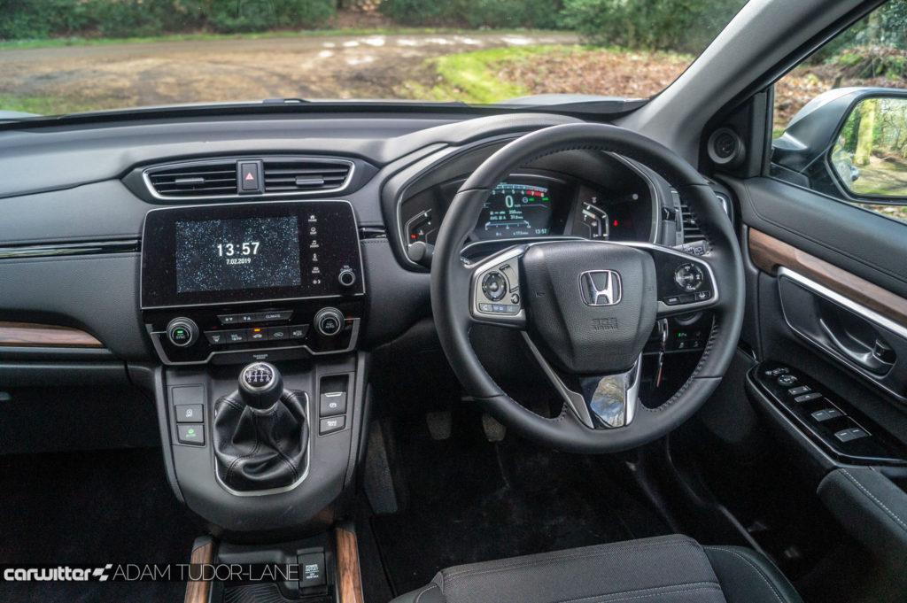 2019 Honda CR V Review Steering Wheel carwitter 1024x681 - 2019 Honda CR-V Hybrid Review - 2019 Honda CR-V Hybrid Review