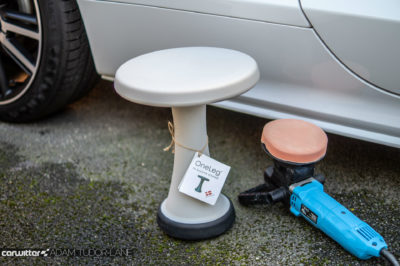 OneLeg Stool Chair Review 004 carwitter 400x266 - OneLeg Stool Review - OneLeg Stool Review
