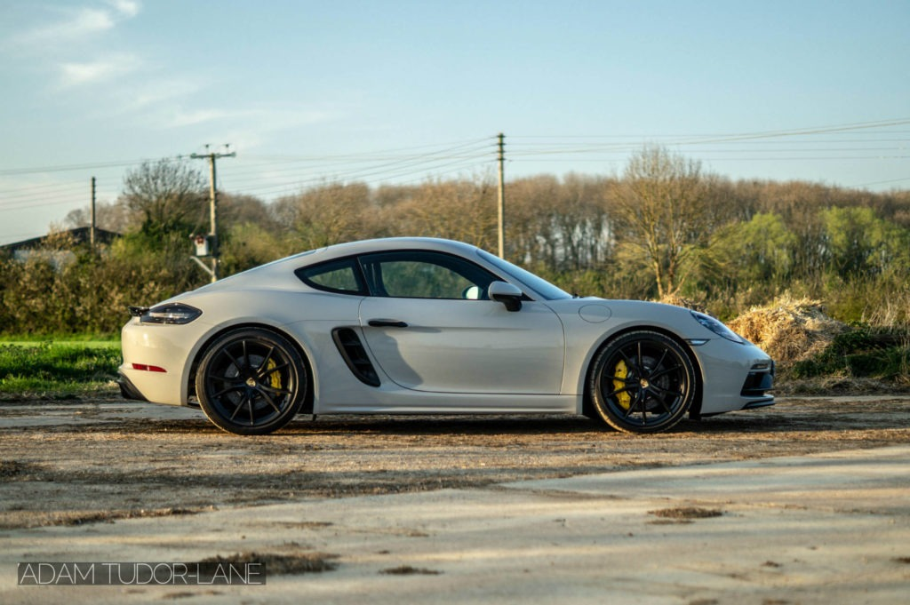 2019 Porsche 718 Cayman GTS Side On carwitter 1024x681 - 2019 Porsche Cayman 718 GTS Review - 2019 Porsche Cayman 718 GTS Review