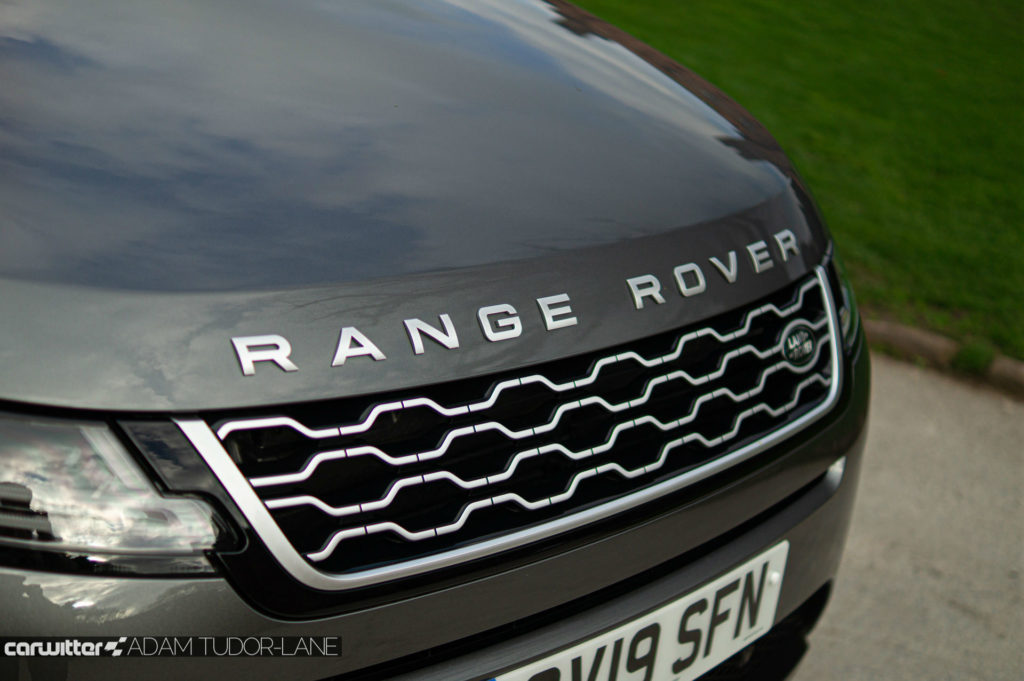 2019 Range Rover Evoque Review Bonnet Badge carwitter 1024x681 - 2019 Range Rover Evoque Review - 2019 Range Rover Evoque Review