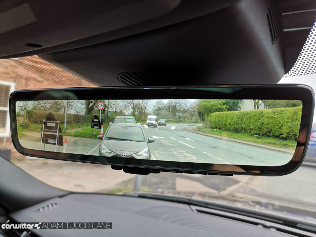 2019 Range Rover Evoque Review Clearsight Rearview Mirror In Use carwitter 1024x768 - Range Rover Evoque 2019 – Top Tech - Range Rover Evoque 2019 – Top Tech
