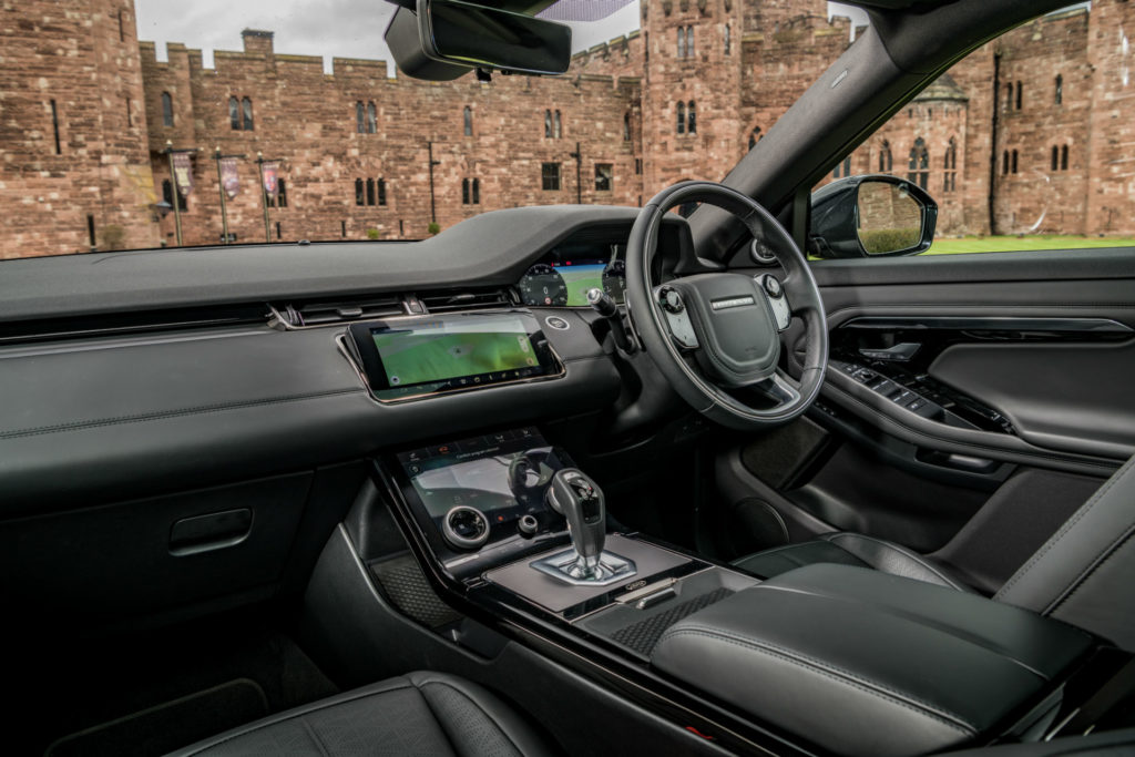 2019 Range Rover Evoque Review Dashboard carwitter 1024x683 - 2019 Range Rover Evoque Review - 2019 Range Rover Evoque Review