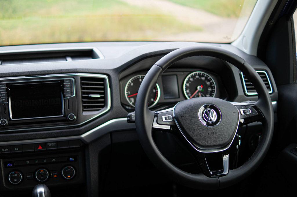 2019 Volkswagen Amarok V6 Review Steering Wheel carwitter 1024x681 - 2019 Volkswagen Amarok V6 Review - 2019 Volkswagen Amarok V6 Review