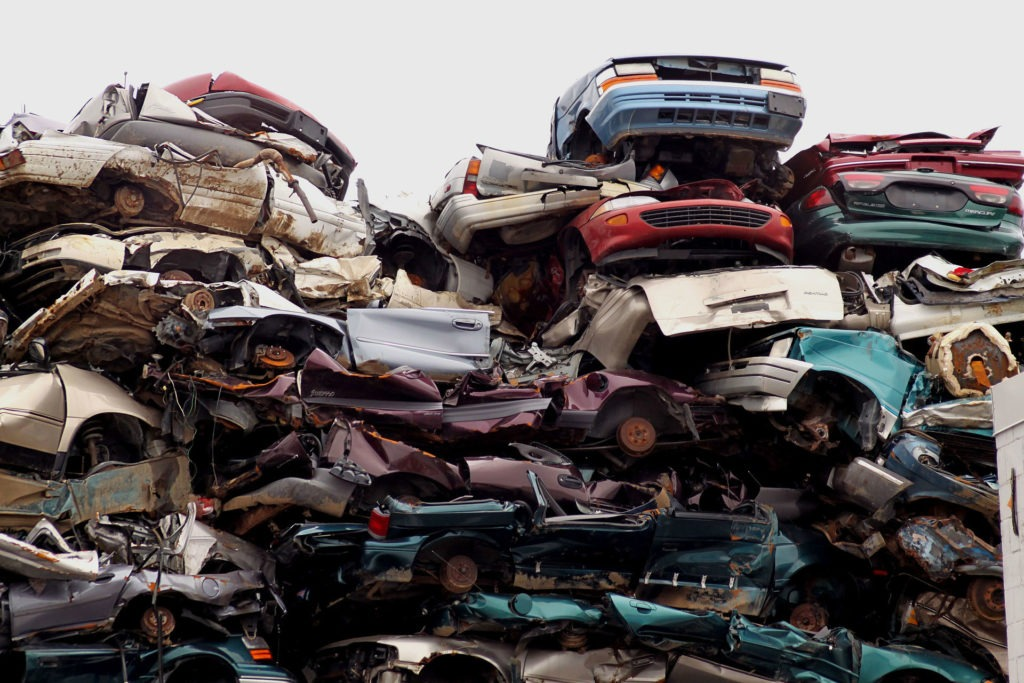 Car Junk Yard 1024x683 - From Trash to Cash: 7 Essential Tips on How to Sell Your Junk Car - From Trash to Cash: 7 Essential Tips on How to Sell Your Junk Car