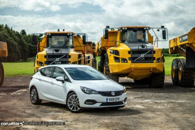 2019 Vauxhall Astra Review Front Scene carwitter 400x266 - Vauxhall Astra Review (2019) - Vauxhall Astra Review (2019)