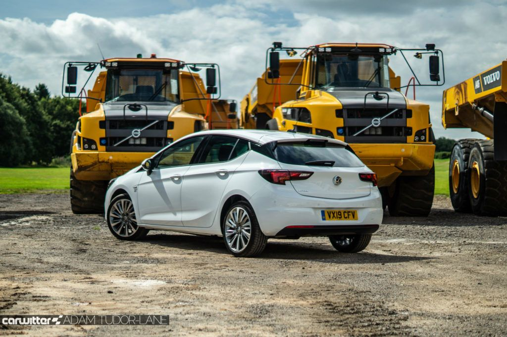 2019 Vauxhall Astra Review Rear Angle carwitter 1024x681 - Vauxhall Astra Review (2019) - Vauxhall Astra Review (2019)