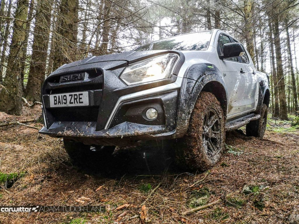 Isuzu D Max XTR Review Off Road Front Detail carwitter 1024x768 - Isuzu D-Max XTR Review - Isuzu D-Max XTR Review