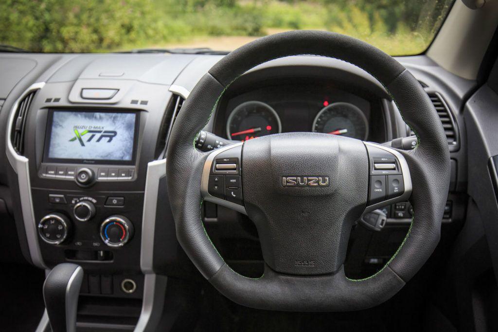 Isuzu D Max XTR Review Steering Wheel carwitter 1024x683 - Isuzu D-Max XTR Review - Isuzu D-Max XTR Review