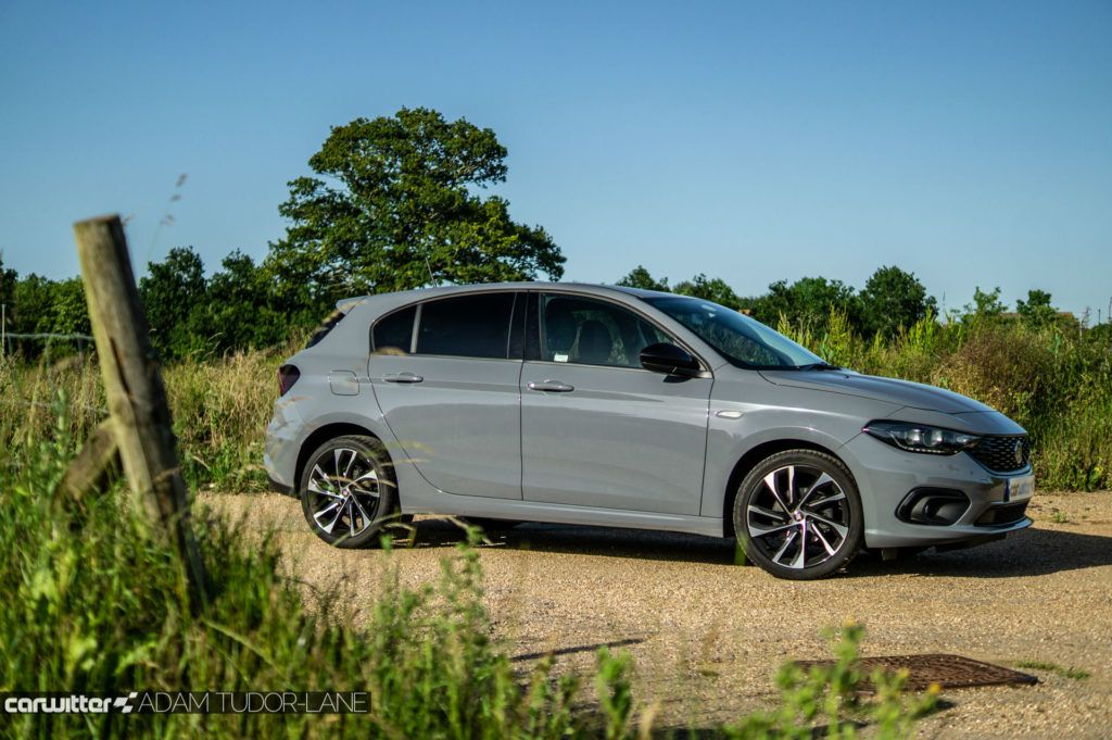 2019 Fiat Tipo S Design Review Side carwitter 1024x681 - Fiat Tipo S-Design Review - Fiat Tipo S-Design Review