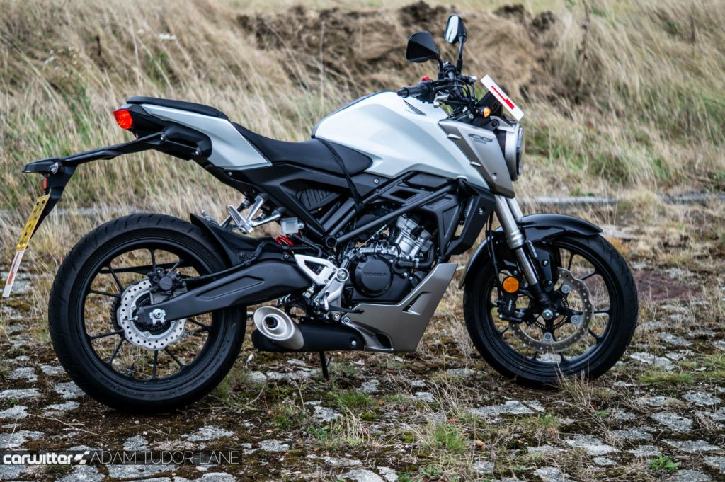 2019 Honda CB125R Review 005 carwitter 1024x681 - Honda CB125R Review - Honda CB125R Review