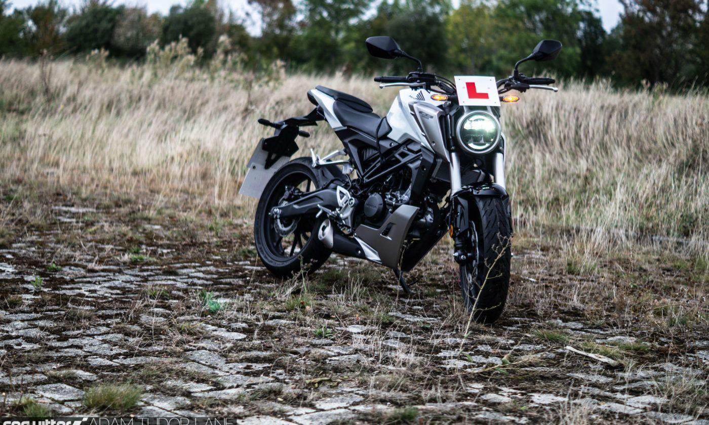 2019 Honda CB125R Review 007 carwitter 1400x840 - Honda CB125R Review - Honda CB125R Review