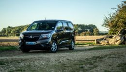 2019 Vauxhall Combo Life Review Front Scene carwitter 260x150 - Vauxhall Combo Life 7 Seater Review - Vauxhall Combo Life 7 Seater Review