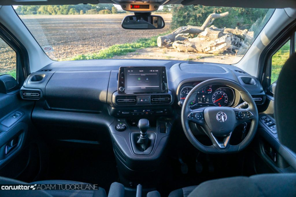 2019 Vauxhall Combo Life Review Interior Dashboard carwitter 1024x681 - Vauxhall Combo Life 7 Seater Review - Vauxhall Combo Life 7 Seater Review