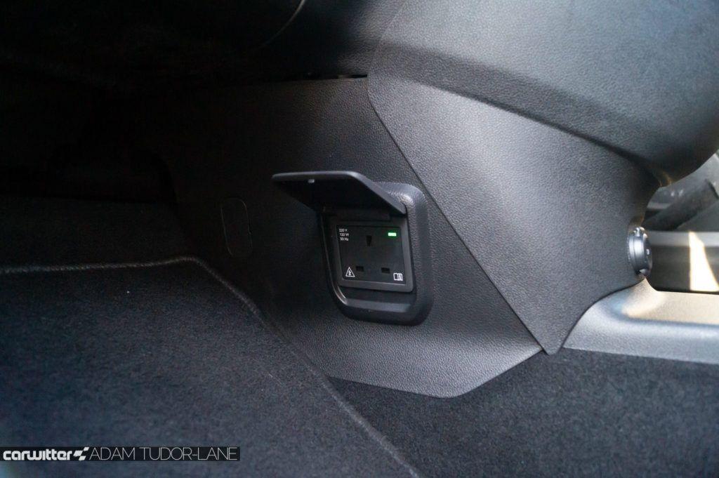 2019 Vauxhall Combo Life Review Plug Socket carwitter 1024x681 - Vauxhall Combo Life 7 Seater Review - Vauxhall Combo Life 7 Seater Review