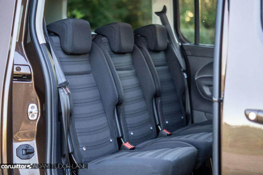 2019 Vauxhall Combo Life Review Second Row carwitter 1024x681 - Vauxhall Combo Life 7 Seater Review - Vauxhall Combo Life 7 Seater Review