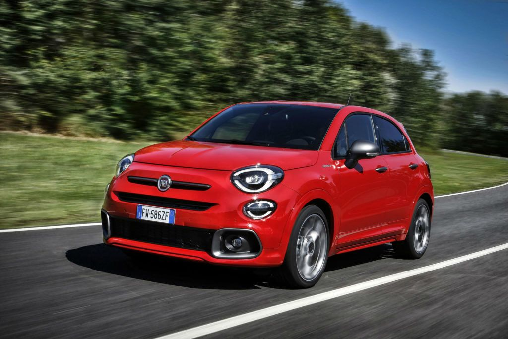 Fiat 500x Sport Front Angle carwitter 1024x683 - Opinions are split on the new baby of the FCA 500x family - Opinions are split on the new baby of the FCA 500x family