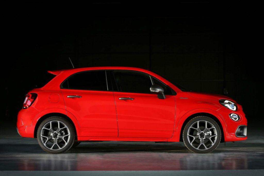 Fiat 500x Sport Side On carwitter 1024x683 - Opinions are split on the new baby of the FCA 500x family - Opinions are split on the new baby of the FCA 500x family