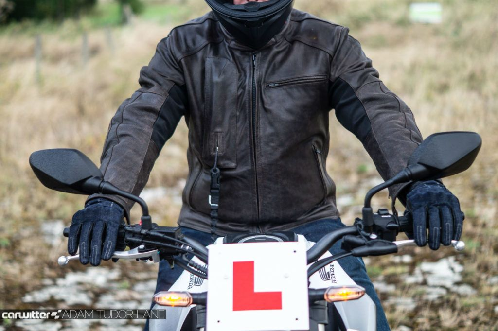 Helite Leather Roadster Airbag Jacket Review 008 carwitter 1024x681 - Helite Leather Roadster Airbag Jacket Review - Helite Leather Roadster Airbag Jacket Review