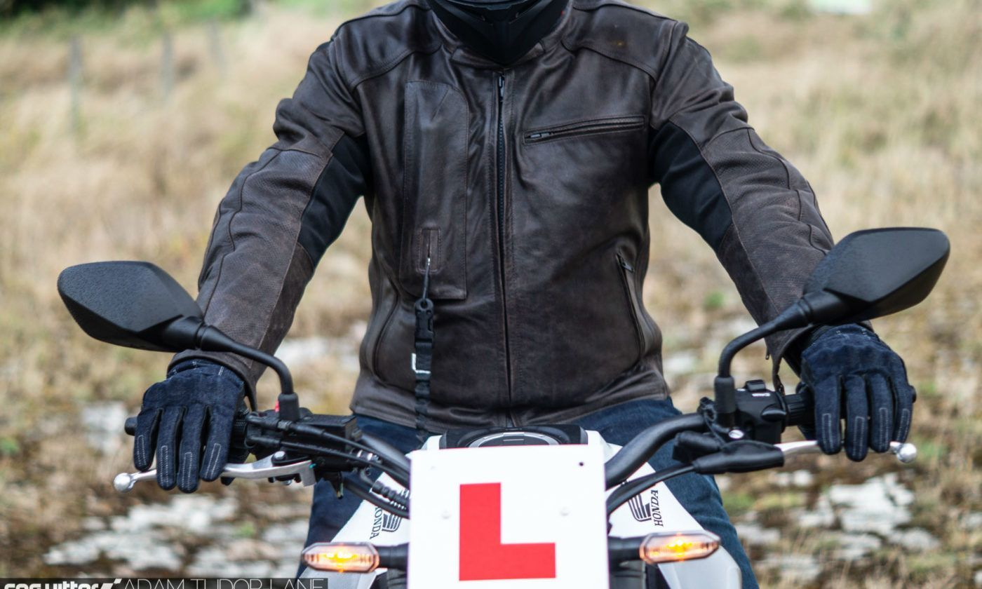Helite Leather Roadster Airbag Jacket Review 008 carwitter 1400x840 - Helite Leather Roadster Airbag Jacket Review - Helite Leather Roadster Airbag Jacket Review
