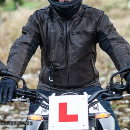 Helite Leather Roadster Airbag Jacket Review 008 carwitter 500x500 - Helite Leather Roadster Airbag Jacket Review - Helite Leather Roadster Airbag Jacket Review