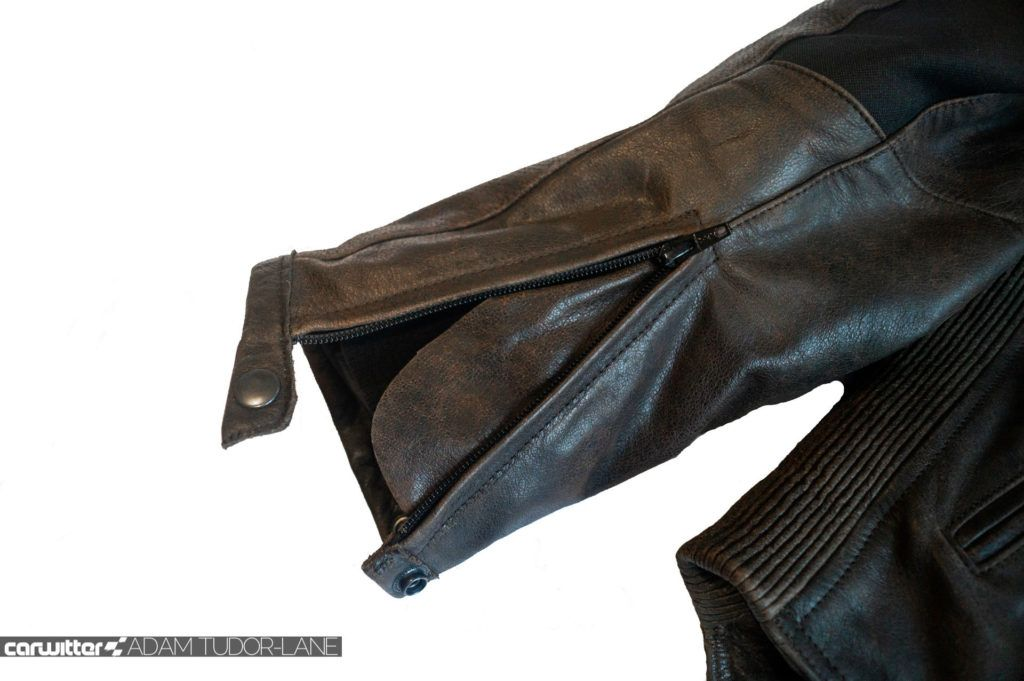 Helite Leather Roadster Airbag Jacket Review 024 carwitter 1024x681 - Helite Leather Roadster Airbag Jacket Review - Helite Leather Roadster Airbag Jacket Review