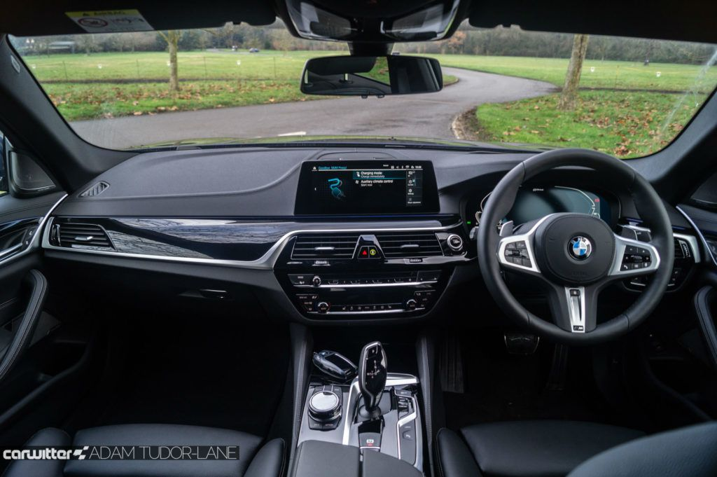 2019 BMW 530e xDrive Review Review Dashboard carwitter 1024x681 - BMW 530e xDrive plug-in hybrid review - BMW 530e xDrive plug-in hybrid review