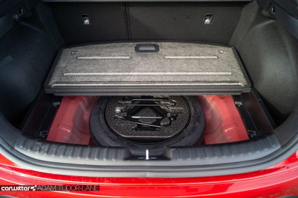 2020 Kia XCeed 2 1.6 Diesel Review Boot Floor carwitter 1024x681 - Kia XCeed Review - Kia XCeed Review