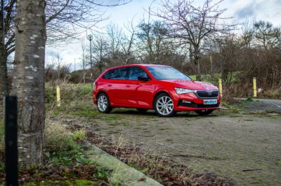 Skoda Scala SE Review Front Angle Scene carwitter 400x266 - Skoda Scala SE Review - Skoda Scala SE Review