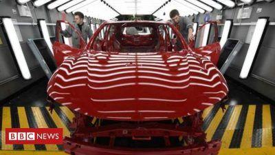112533322 32930695 4c5b 47fd bcff 7a7965f4eb8b NUFSyj 400x225 - Nissan backs UK plant as it unveils survival plan - Nissan backs UK plant as it unveils survival plan