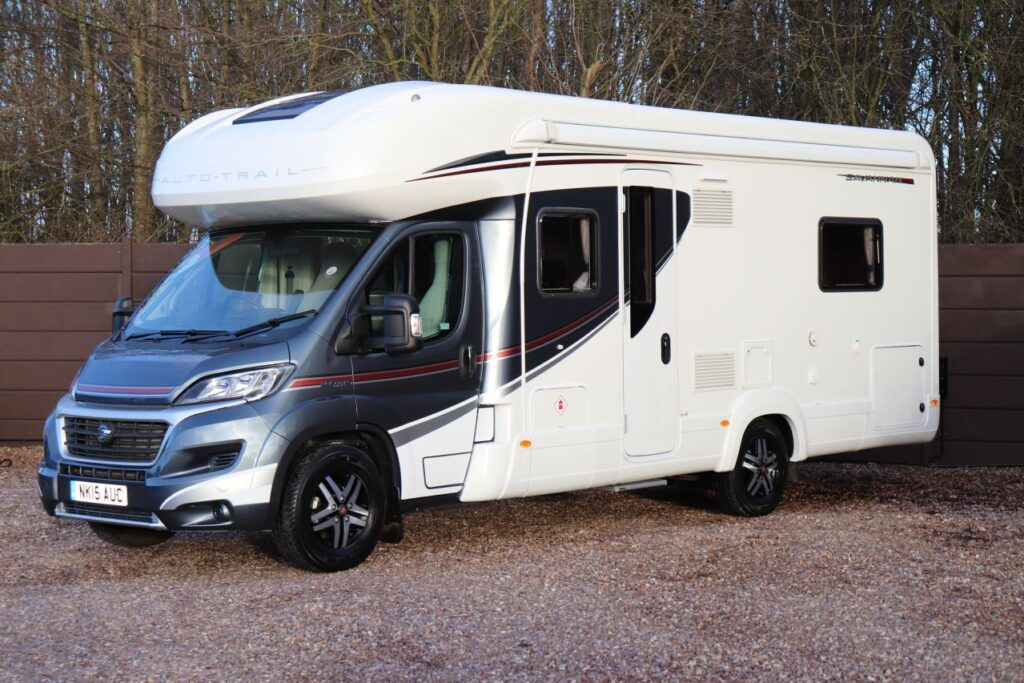 Auto trail Savannah 2015 carwitter 1024x683 - Top 5 affordable motorhomes for you to hit the road - Top 5 affordable motorhomes for you to hit the road