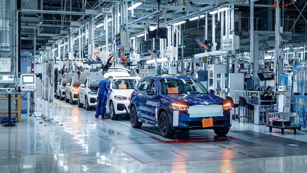 BMW iX3 new 8 4QciAt 1024x576 - New BMW iX3 to enter production in summer 2020 | Evo - New BMW iX3 to enter production in summer 2020 | Evo