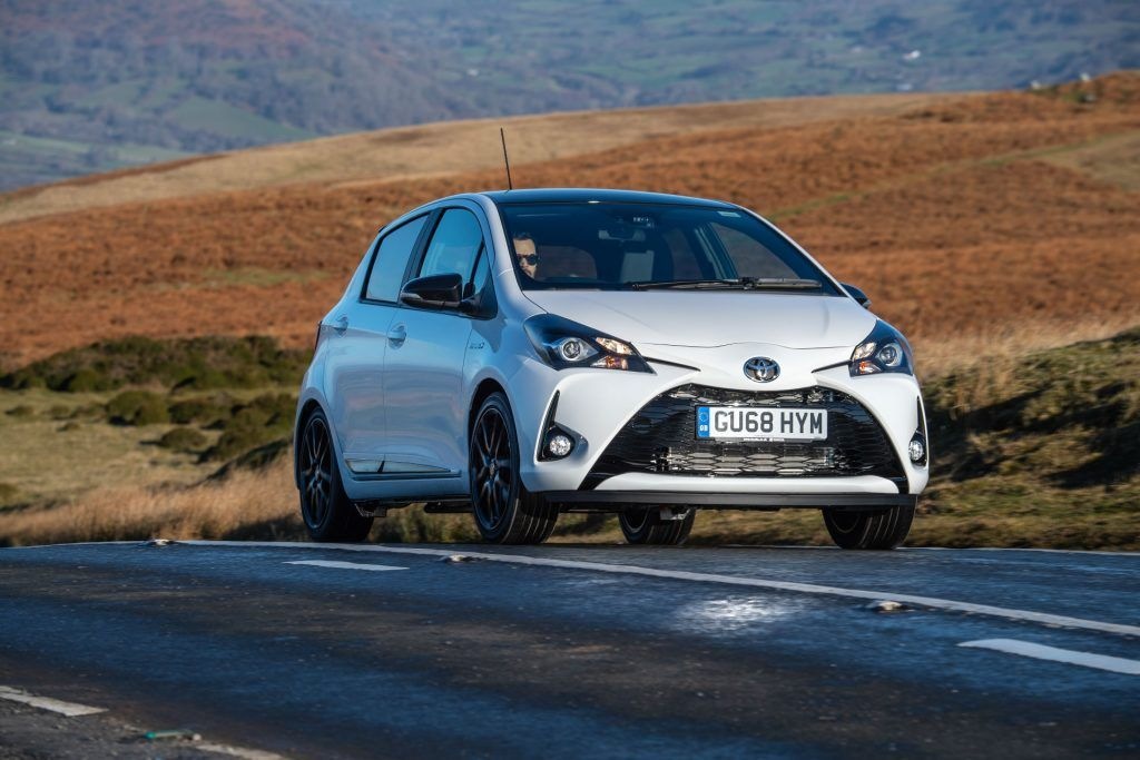 Toyota Yaris Sport Front carwitter 1024x683 - Top 10 Best Selling Cars in Ireland 2020 - Top 10 Best Selling Cars in Ireland 2020
