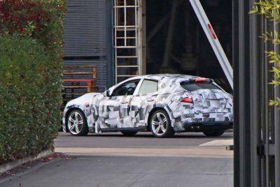 ferrari suv mule2 jDHLzH 400x268 - Ferrari's 2022 performance SUV: first prototype caught testing - Ferrari's 2022 performance SUV: first prototype caught testing